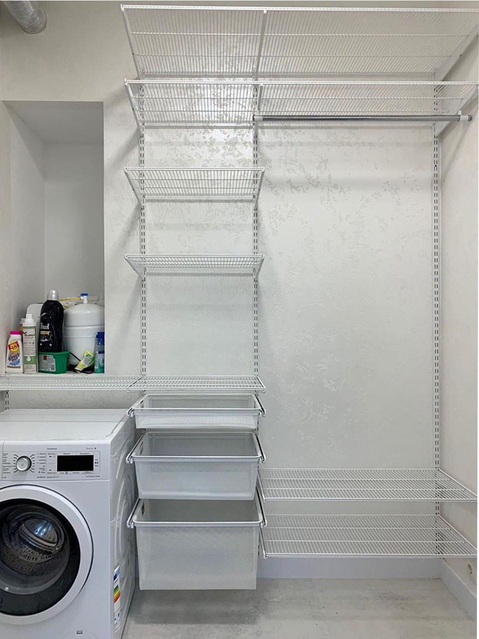 Гардеробна система у ванній кімнаті